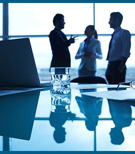 internationalline-trabajadores-en-oficina-3